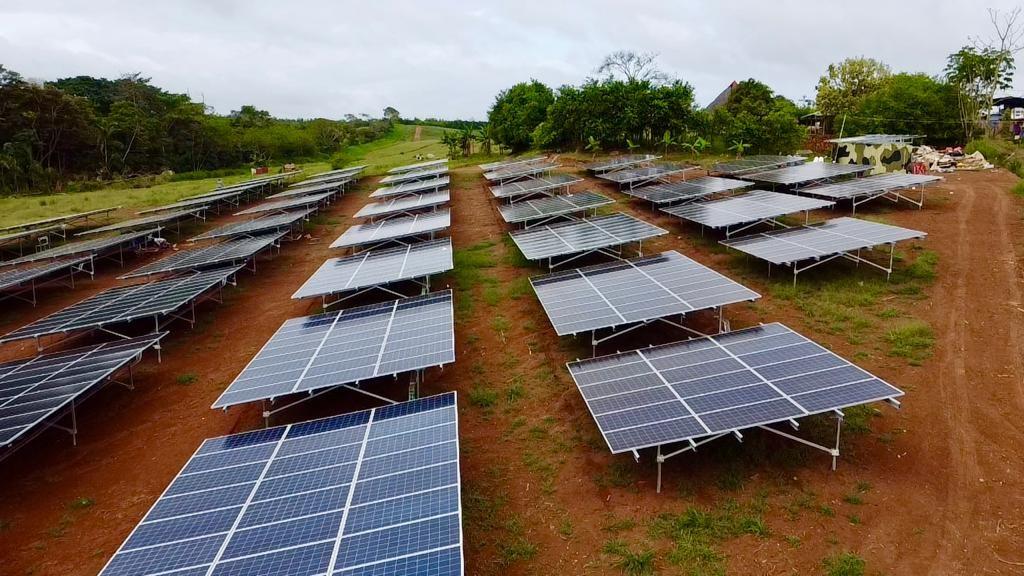 Placas solares en suelo